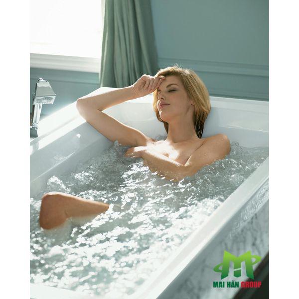 Vệ sinh bồn tắm sứ đúng cách để kéo dài thời gian sử dụng