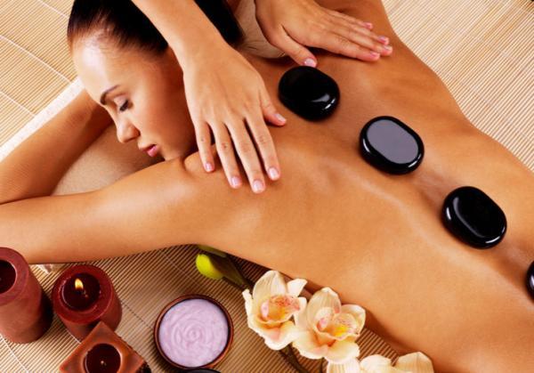 Massage tinh dầu thiên nhiên, lợi ích và những điều lưu ý