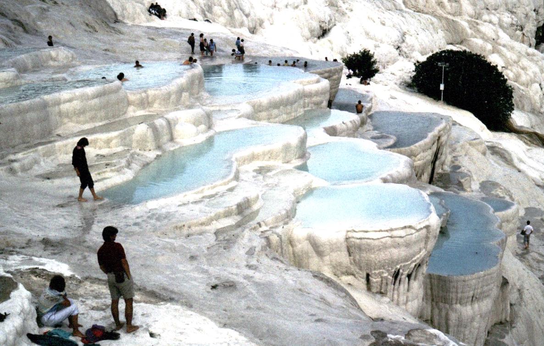 Vẻ đẹp lỗng lấy của khu Spa thiên nhiên khổng lồ
