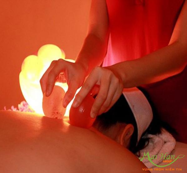 Massage bằng đá muối mang lại những lợi ích gì: sức khỏe và làm đẹp