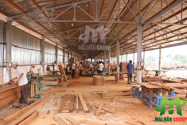Toàn cảnh xưởng sản xuất giường massage tại Mai Hân Group