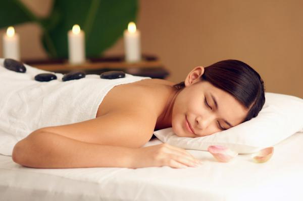đá nóng massage