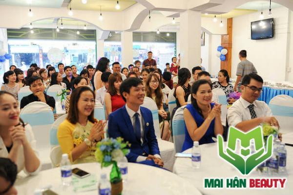 Mai Hân Group sum họp tất niên chào đón năm 2017 phát triển và thành công