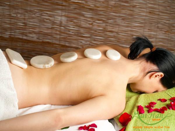 massage đá lạnh toàn thân