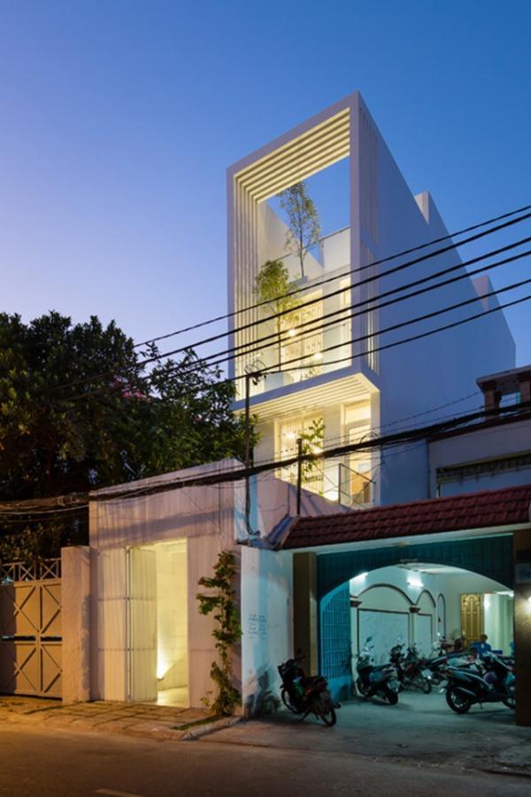 """""""Cuồng mắt"""" với ngôi nhà ống có bể sơi sang chảnh như khu resort ở Sài Gòn"""
