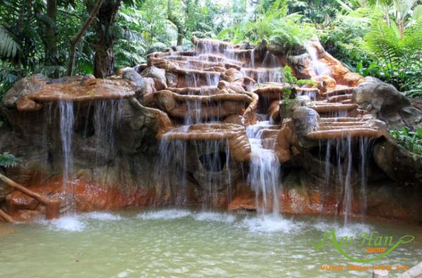 Suối nước nóng thiên nhiên