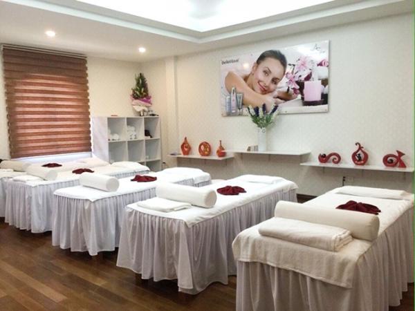 Tiêu chuẩn chọn giường massage Facial – Nội thất không thể thiếu cho Spa