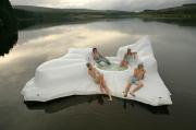 bồn tắm lạ
