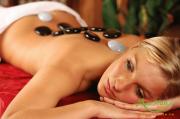 Hướng dẫn kỹ thuật massage đá nóng