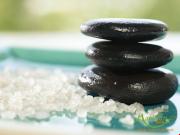Thực hư về tác dụng trị bệnh gan của massage đá nóng?